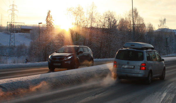 Vintertrafikk ved Kjellerholen.