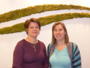 Seniorforskerne Dorte Herzke fra NILU (t.v.) og Claudia Halsband fra Akvaplan-niva har forsket på marin plast i snart et tiår.