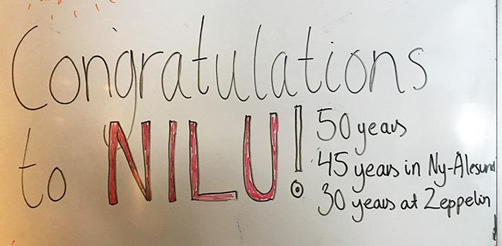 Gratulasjoner på tavle