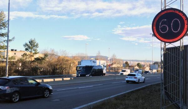 Trafikkskilt som viser 60 km/t ved Manglerud i Oslo
