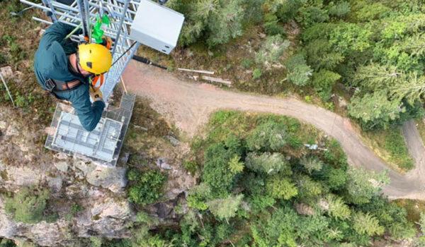 Den nye masten på Birkenes er 75 meter høy